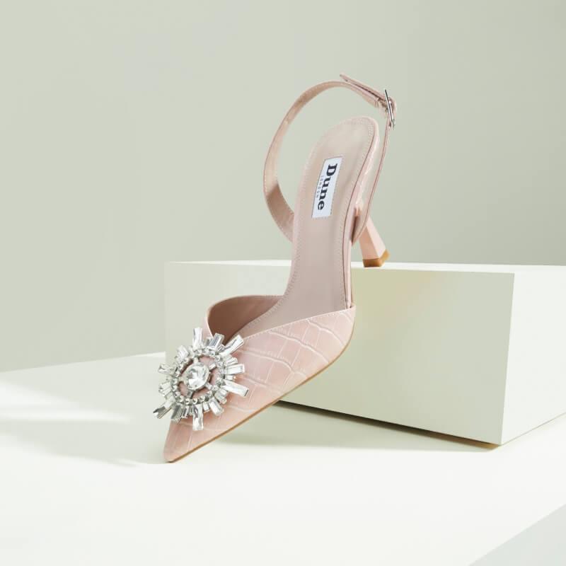 Mách nhỏ phái đẹp các loại giày nữ cần phải đầu tư ngay 2021 | Ảnh 1