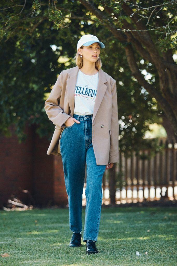 Chút hoài cổ với quần Mom Jeans và Blazer