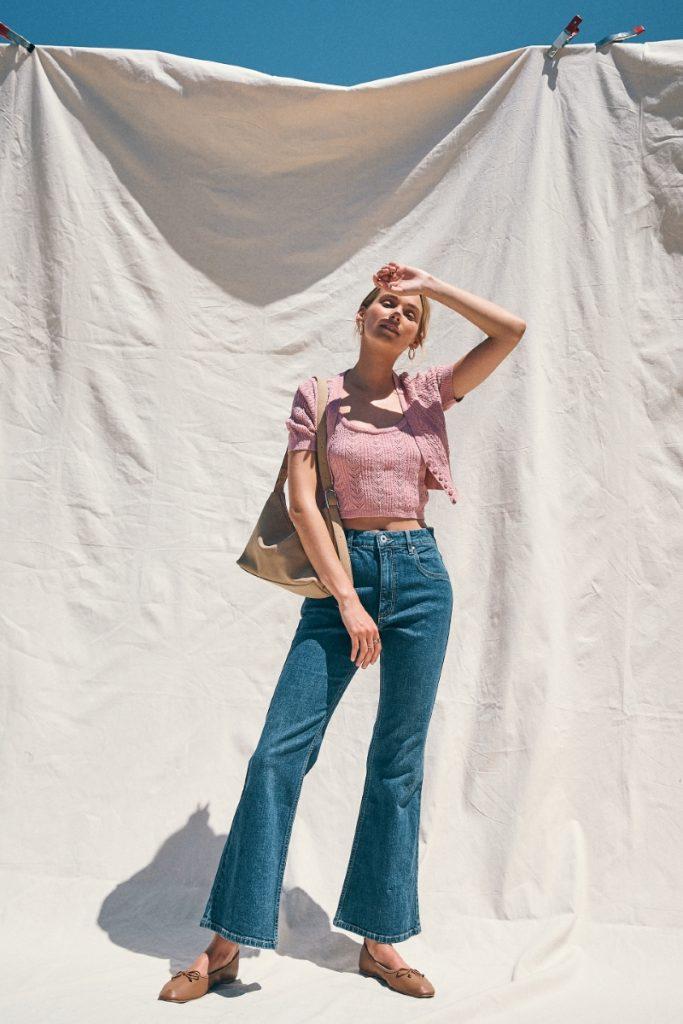 Quần jeans ống loe (Flare Jeans) - Thanh lịch và gợi cảm
